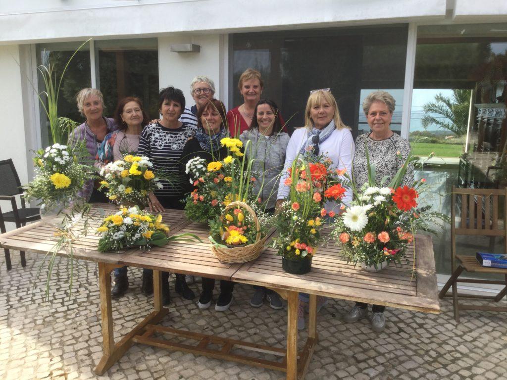 Franc succès pour le nouvel atelier floral de ce jeudi 11 avril ...et résultat vraiment bluffant . À l'avis général...à refaire...!